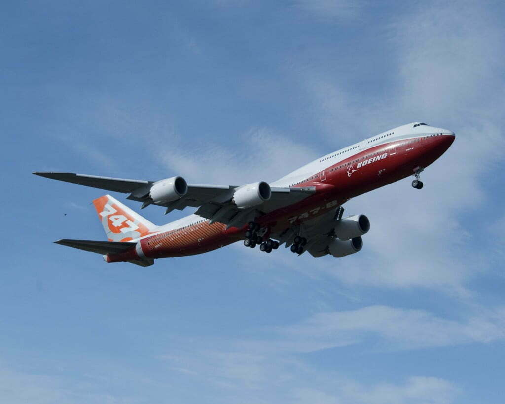 747-8I First Flight TakeoffK65201-02