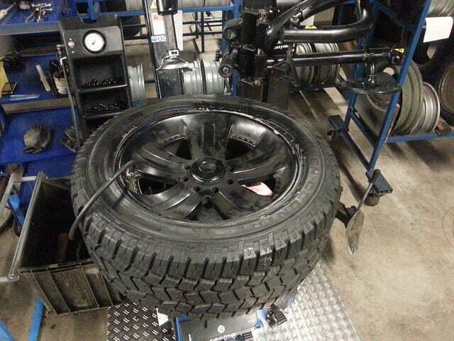 winter-tires-206991_640