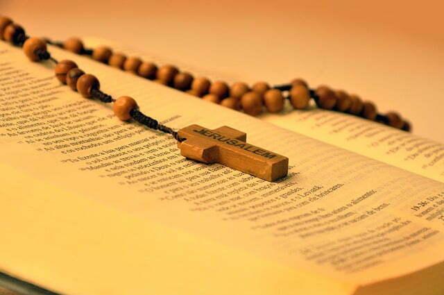 bible-641636_640