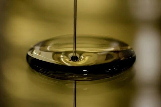 oil-696579_640
