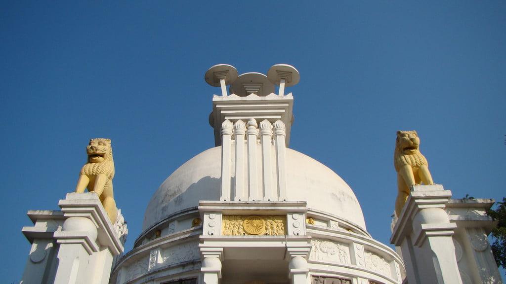 Dhauilgiri_Stupa_top