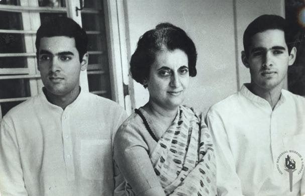 Rajiv,_Indira_and_Sanjay_Gandhi (1)