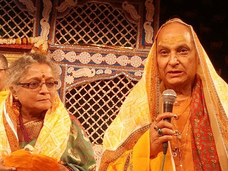 Jasraj_with_his_wife_Madhura