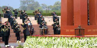 PM laying wreath at War Memorial