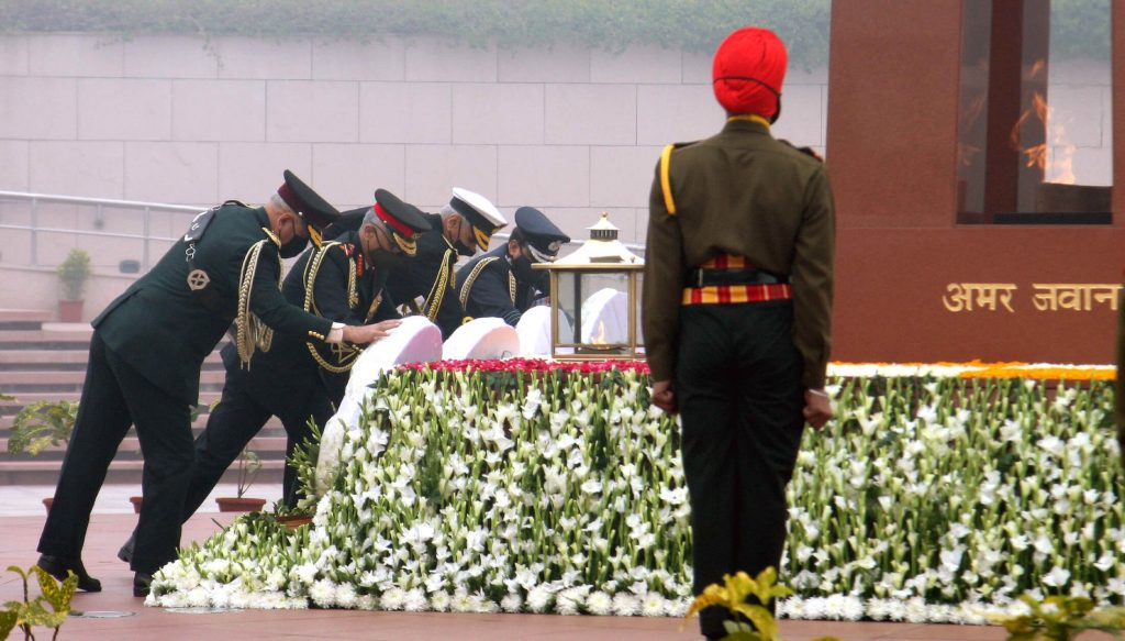 Chief of Defence Staff (CDS), General Bipin Rawat, the Chief of the Army Staff, General Manoj Mukund Naravane, the Chief of Naval Staff, Admiral Karambir Singh and the Chief of the Air Staff, Air Chief Marshal R.K.S. Bhadauria laying wreath at the National War Memorial, on the occasion of Army Day